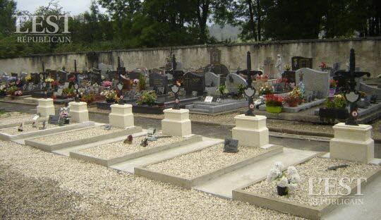 des-tombes-renovees-par-le-souvenir-francais-1474487913